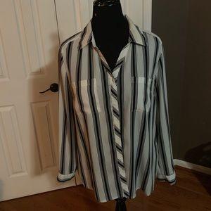Comfy black and white striped Sz L Blouse